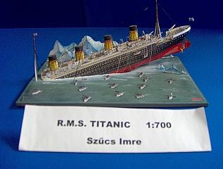 R.M.S._TITANIC_SINK_04